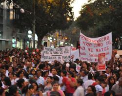 40.000 peruanos se manifiestan contra el aborto en Piura
