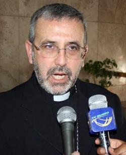 El Arzobispo de Arequipa asegura que los homosexuales deben optar por «recuperarse» o el celibato