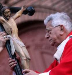 Cardenal Terrazas: «No podemos aplaudir a aquellos que maquinan para quitar la vida»