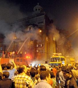 Al menos diez muertos en el ataque de musulmanes a una iglesia copta en El Cairo