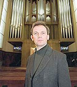 Joseph Cullen, ganador de un Grammy, lamenta la música que se usa en parroquias
