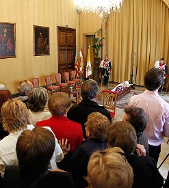 Centenares de personas dan su último adiós al cardenal García-Gasco en la capilla ardiente