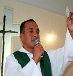 Asesinan a un sacerdote en Colombia para robarle el teléfono móvil