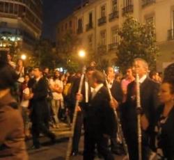 Decenas de radicales de ultraizquierda boicotean una procesión en Granada
