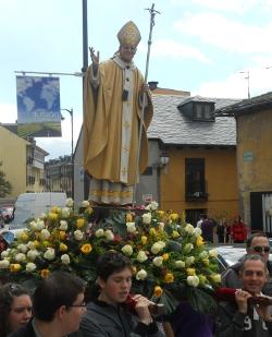 Ponferrada se convierte en la primera localidad española en llevar una imagen de Juan Pablo II en procesión