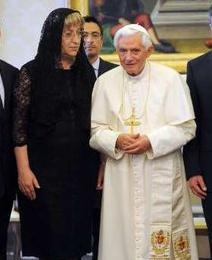 El Papa asegura que para edificar Europa sobre bases sólidas no basta apelar sólo a los intereses económicos