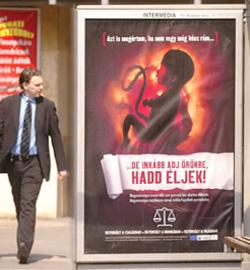 La Unión Europea contra Hungría por su campaña pro-Vida