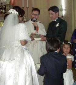 Laicos bolivianos al colectivo LGTB: «No estamos en contra de nadie, sino que todo buen cristiano está a favor del matrimonio de hombre y mujer»