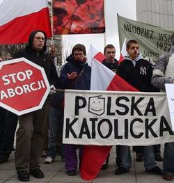Polonia votará esta semana un proyecto legislativo que prohíbe todo aborto