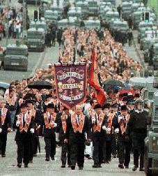Sin incidentes en el desfile de los protestantes de la Orden de Orange por Belfast