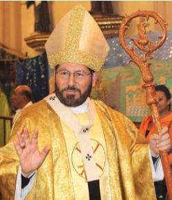 El Arzobispo de Xalapa condena la campaña de jóvenes «católicos» a favor del uso del preservativo