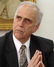 El Rector de la Pontificia Universidad Católica del Perú arremete una vez más contra el Cardenal Cipriani