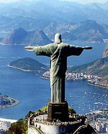 Un rayo daña un dedo del Cristo Redentor de Río de Janeiro
