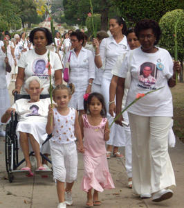 Las Damas de Blanco aseguran que el Papa olvidó darle un minuto al sector más oprimido