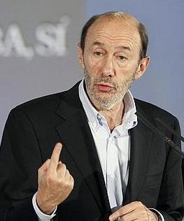 El programa electoral del PSOE añade una nueva propuesta contraria a la Iglesia Católica