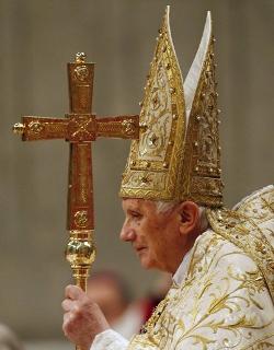 El Papa advierte contra la hermenéutica bíblica que olvida que las Escrituras son inspiradas por Dios