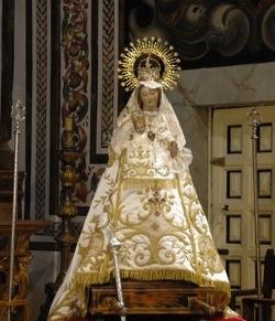 La imagen de la Virgen de la Fuencisla llega al Santuario de Peñas Grajeras tras ser restaurada