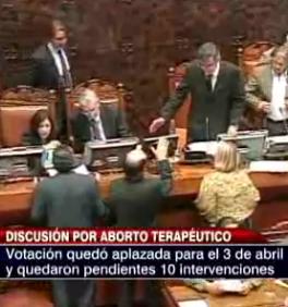 El Senado chileno aplaza hasta abril su decisión sobre el aborto terapéutico