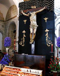 El Cristo de las Mercedes de Valladolid, a punto de ser destruido por un incendio