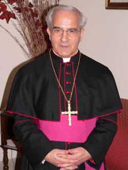 Mons. Girotti asegura que cada día aumenta el número de fieles que acude al sacramento de la confesión
