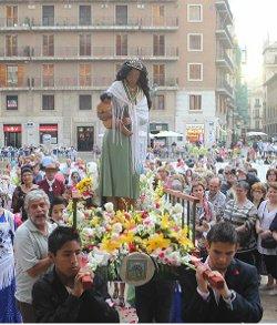 Cientos de gitanos participan en Valencia en el 25 aniversario de la coronación de la Virgen Gitana