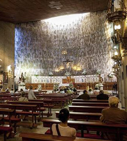 Los bautizos y bodas del falso cura de Sevilla son «válidos» aunque «ilícitos»