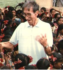 Fallece en la India a los 98 años de edad el misionero jesuita Pierre Ceyrac