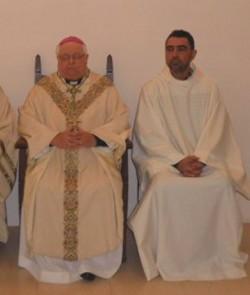 El obispo de Gerona ordena como diácono permanente al jefe de la policía local de Olot