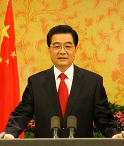 La dictadura china pretende que mejoren las relaciones con el Vaticano tras la renuncia del Papa