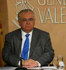 El presidente de las Cortes Valencianas propone que las mujeres que van a abortar vean antes una ecografía