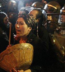 La policía chilena desaloja un seminario tomado por un grupo de mapuches