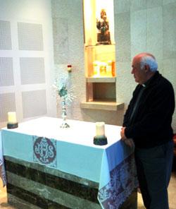P. Jorge González: «Con la fuerza de la adoración permanente la parroquia caminará sola»