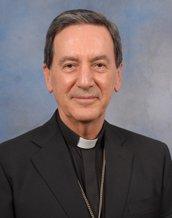 El cardenal Salazar aprueba las uniones civiles entre homosexuales si no se las equipara con el matrimonio