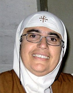 Una monja denuncia a Occidente por apoyar a los extremistas fanáticos musulmanes en Siria