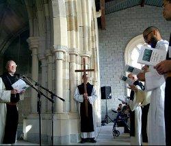 Construyen una capilla en California con piedras de un monasterio español del siglo XII