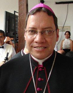 El secretario de la Conferencia Episcopal de Colombia pide a las FARC que amplien la tregua