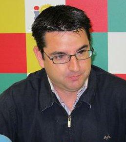 El coordinador de IU en Córdoba falta al respeto a Mons. Demetrio Fernández en las redes sociales