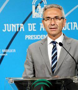 El portavoz del gobierno de Andalucía pide que pongan un bozal al obispo de Córdoba