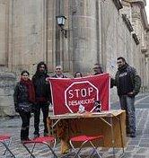 El párroco de la Basílica de Yecla se opone a que se recojan firmas contras los deshaucios en el atrio del templo