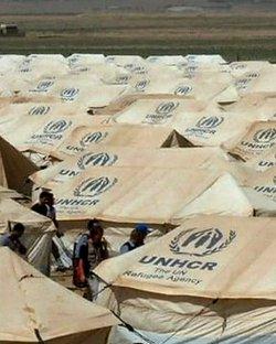 Tormentas de nieve, viento y lluvia devastan un campo de refugiados sirios en Jordania