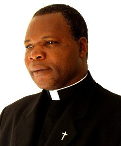 El arzobispo y el imán de Bangui piden el desarme de los que se infiltran armados en iglesias y mezquitas centroafricanas