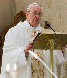 El Papa pide evitar la tentación del «progresismo adolescente»