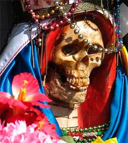 «Abandonen el culto a la Santa Muerte»