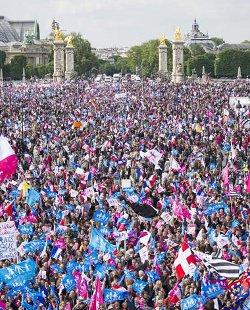Nueva manifestación multitudinaria en París contra el matrimonio homosexual