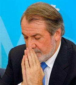 Mayor Oreja convoca a más de mil personalidades provida en París