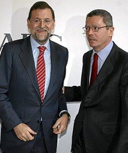 Mariano Rajoy pide a Gallardón que escuche a los críticos del PP con la reforma de la ley del aborto
