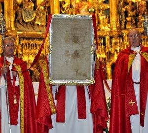 Un estudio de la UCAM confirma la relación entre el Sudario de Oviedo y la Sábana Santa de Turín