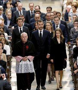 Mons. Julián Barrio: «Galicia y España entera os llevan en su corazón»