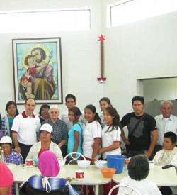 El Papa pide a los fieles besar las llagas de Jesús en los hambrientos, pobres, enfermos y presos