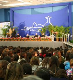 JMJ: Miles de jóvenes dialogaron con Mons. Echevarría
